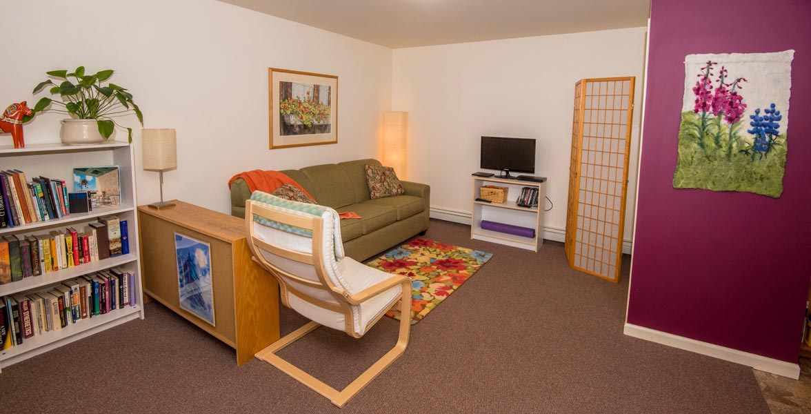 Gardenside bed and breakfast in anchorage alaska for Area riservata bed and breakfast